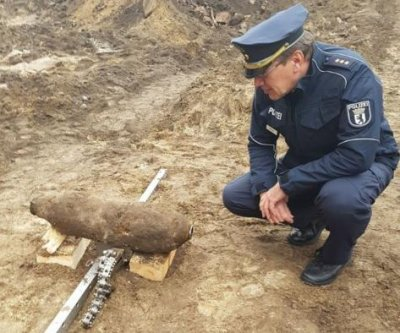 Hundreds evacuated from Berlin neighborhood after WWII bomb uncovered