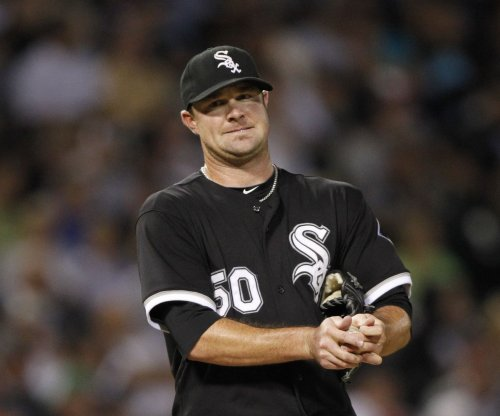 Atlanta Braves ink LHP John Danks to minor league deal