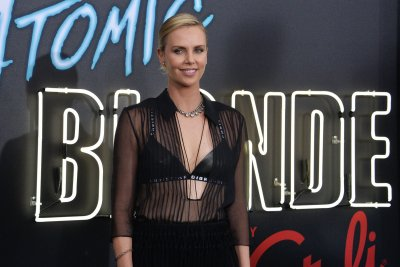 Charlize Theron dazzles at 'Atomic Blonde' premiere