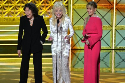 Jane Fonda, Lily Tomlin have writers for '9 to 5' sequel