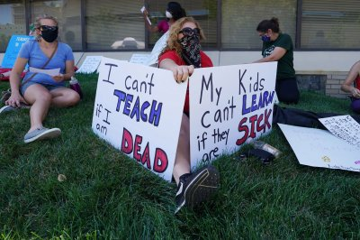 Poll: 75% of U.S. teachers fearful of COVID-19 in schools this fall