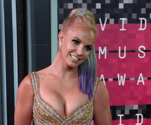 Britney Spears surprises sister Jamie Lynn ahead of Opry performance