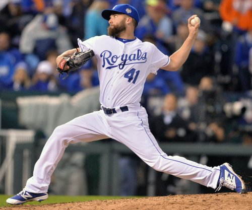 Mike Moustakas' blast backs Danny Duffy as Kansas City Royals sink New York Yankees