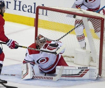 Carolina Hurricanes goalie Petr Mrazek likely out for Game 3 against Islanders