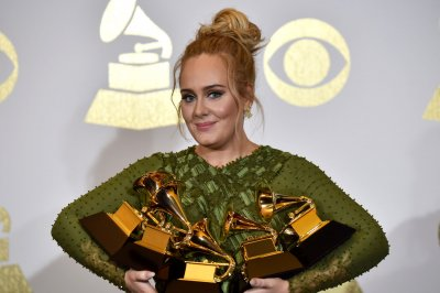 Adele to host next week's edition of 'SNL'