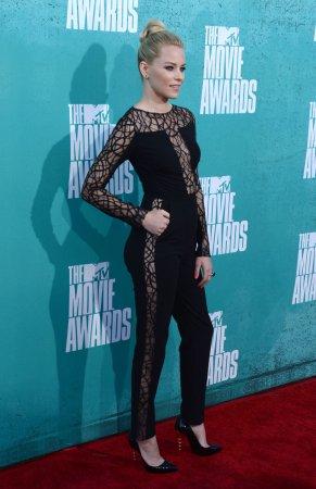 'Hunger Games' wins 4 MTV Movie Awards