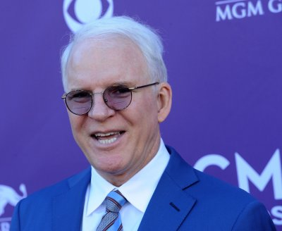Steve Martin refutes 'Father of the Bride III' report
