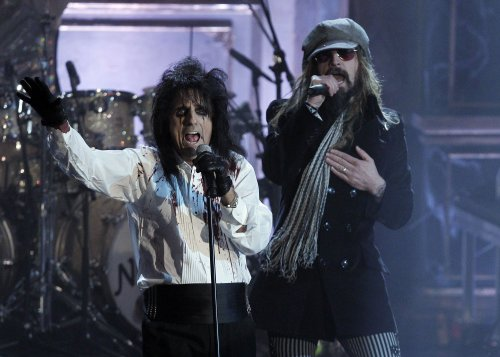 Alice Cooper says he paved the way for today's pop star antics