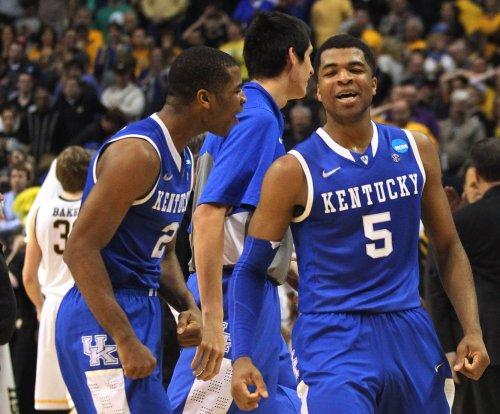 No. 1 Kentucky continues run against South Carolina