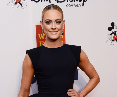 Peta Murgatroyd to sit out from 'Dancing With The Stars' over ankle injury