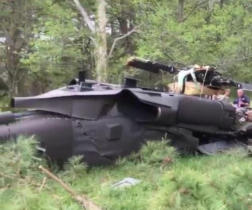 Army Black Hawk chopper crashes at Maryland golf course; 1 dead