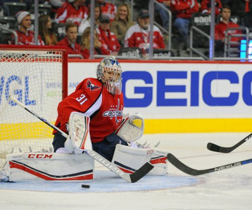 Capitals G Grubauer inks one-year contract
