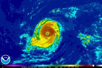 Hurricane Lee gradually strengthening while moving westward