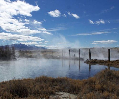 Scientists study Earth's earliest life forms in Nevada hot spring