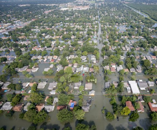 Experts: Over 300,000 U.S. coastal homes at risk of flooding by 2045