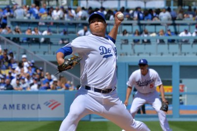 Dodgers' Hyun-Jin Ryu has no-hitter broken up in eighth inning