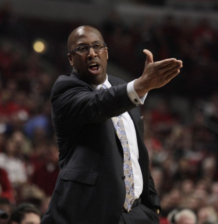 Mike Brown offered Lakers coach job