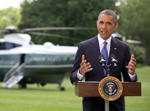 Obama brushes off Republicans lawsuit threats