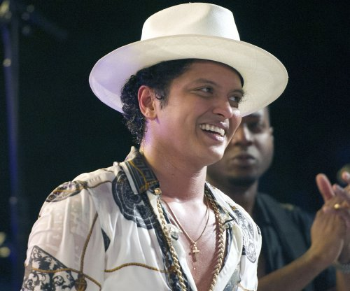 Bruno Mars picks 'fight' with Ed Sheeran on Twitter