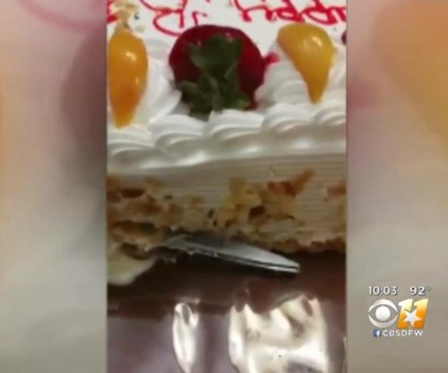 Texas family finds scissors in store-bought cake