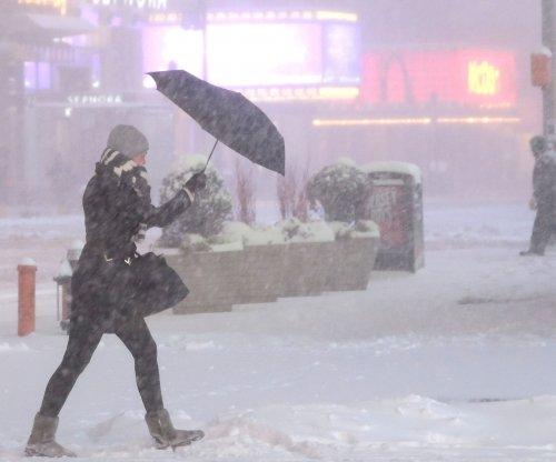 Blizzard blankets Broadway; shows canceled Saturday