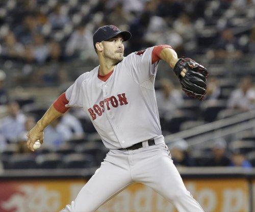 Rick Porcello, Boston Red Sox defeat visiting Toronto Blue Jays