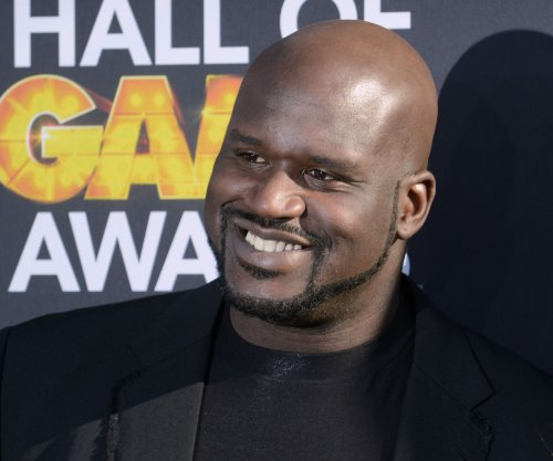 Shaquille O'Neal embraces 'Flashdance' for 'Lip Sync Battle'