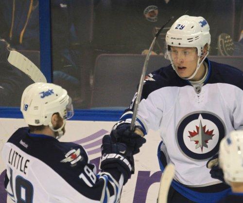 Patrik Laine's hat trick powers Winnipeg Jets to 5-2 win over Dallas Stars