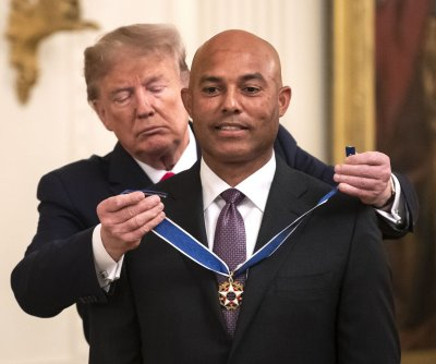 Trump presents Medal of Freedom to Mariano Rivera