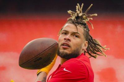Chiefs defense shuts down Cam Newton-less Patriots