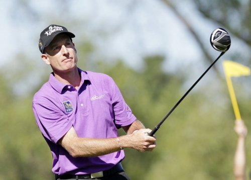 Jim Furyk's second straight 2-under 68 nets PGA Championship lead