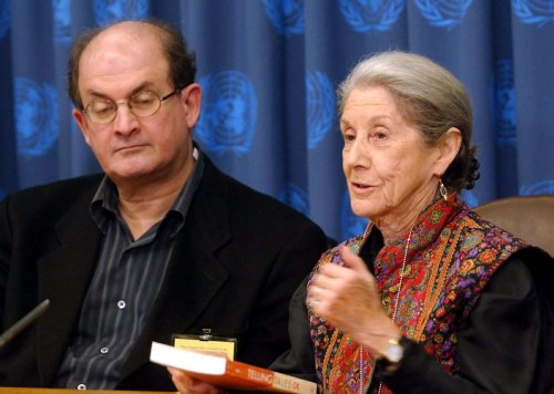 Nadine Gordimer, Nobel Prize-winning author, dies at 90