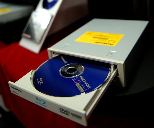 Recycled Blu-ray discs improve solar panels