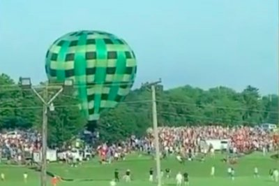 Hot air balloon crash at Missouri festival causes minor injuries