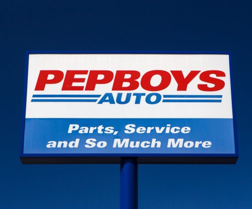Billionaire investor Carl Icahn bumps bid for Pep Boys to more than $1B