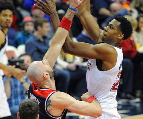 Miami Heat officially sign C Hassan Whiteside to deal