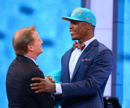 Miami Dolphins' Dion Jordan slowed by knee injury