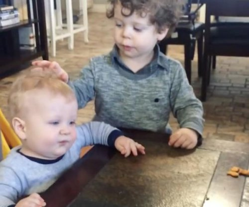 Jessa Duggar's sons bond over snacks in new video