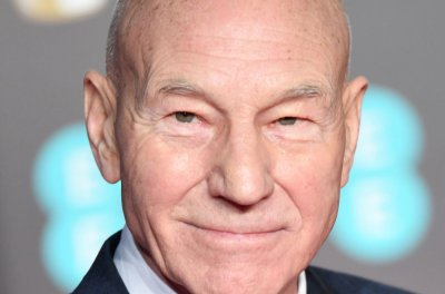 Patrick Stewart to reprise Jean-Luc Picard in new 'Star Trek' series