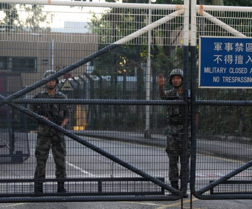 Mainland Chinese soldiers to clean up after Hong Kong protests