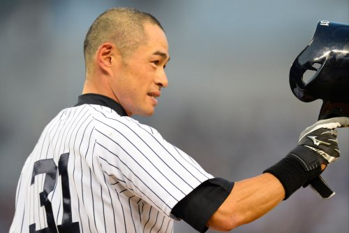 Yankees' Ichiro Suzuki records 4,000th professional hit