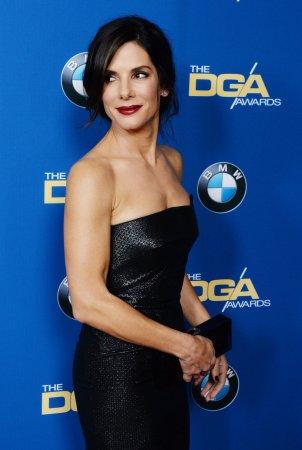 Sandra Bullock gives heartfelt sendoff to Jay Leno