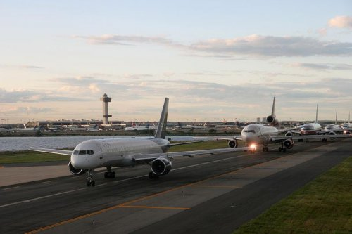Raytheon extends air traffic control work for FAA