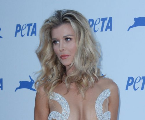 Joanna Krupa goes nude in new post: '#loveyourself'