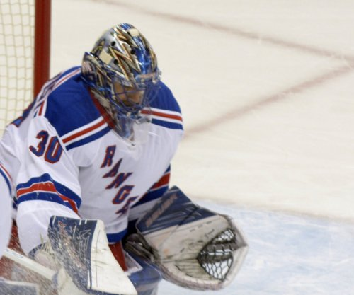 Henrik Lundqvist sharp as New York Rangers edge Philadelphia Flyers