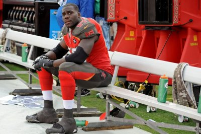 Tampa Bay Buccaneers place OL starters Demar Dotson, Ali Marpet on IR