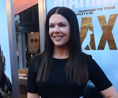 Famous birthdays for March 16: Lauren Graham, Gore Verbinski