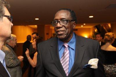 Famed Harlem Globetrotter Meadowlark Lemon dead at 83