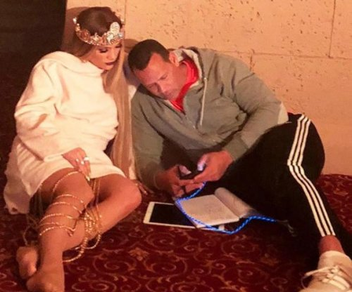 Alex Rodriguez visits Jennifer Lopez during 'late night' on set