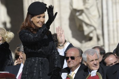 Argentine prosecutor asks for investigation into President Kirchner
